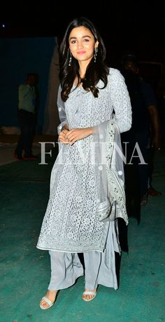 Alia Bhatt sported some beautiful Indian wear for her recent appearances and we love each of them on her. Indian Wedding Outfits, Indian Outfits, Boho Outfits, Indian Attire, Indian Ethnic Wear, Ethnic Suit, Pakistani Dresses, Indian Dresses, Ethnic Fashion