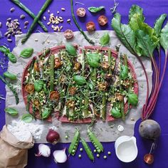 As the last stretch of the Berlin winter drags it's windy rainy sleety snowy feet, I'm dreaming of this beet pizza topped with spring things that I made last year, using my pumpkin pizza base recipe but with beets instead of pumpkin. Come on Spring! 🌱🌱🌱