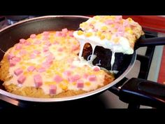 PIU' BUONA DELLA PIZZA, Cena pronta in pochi minuti! #355 - YouTube Home Made Puff Pastry, Pizza Cake, Vegan Ramen, Potluck Dishes, Dinner For Two, Le Diner, Special Recipes, One Pot Meals, Finger Foods