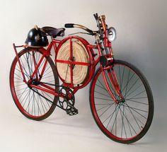 Велосипед пожарного. 1905 г. Этот пожарный велосипед создали в 1905 году в городе Бирмингеме (Великой Британии), в мастерских по производству легкого вооружения, для нужд пожарных на нефтеперерабатывающих заводах.ФОТО1