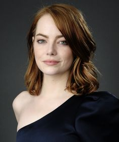 I have a life that's just been a well of loneliness Emma Stone Updo, Emma Stone Style, Very Beautiful Woman, Gorgeous Redhead, Ema Stone, Red Hair Inspiration, Actress Emma Stone, Prettiest Actresses, Auburn Hair