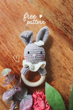 Crochet Toys, Crochet Baby, Baby Rattle, Baby Items, Free Pattern, Crochet Patterns, Bunny, Teething, Christmas Ornaments