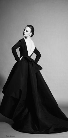 New Ideas for fashion model photography glamour christian dior Vintage Dior, Vintage Couture, Vintage Mode, Vintage Glamour, Vintage Beauty, Fashion Vintage, Christian Dior Vintage, Christian Dior Dress, Christian Dior Couture