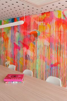 Dou you want to change color on the walls? Get decorative wall painting ideas and creative design tips to colour your interior home walls Decoration Inspiration, Design Inspiration, Decor Ideas, Drip Painting, Neon Painting, Painting Studio, Mural Painting, Creative Wall Painting, Drip Art