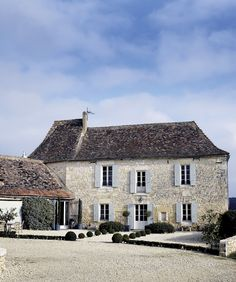 oh perfect ... here's my pretend house in the south of France where I'm going to be putting my pretend kitchen!