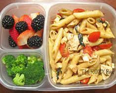 10. Caprese Pasta Salad With Grilled Chicken  #healthy #bentobox #lunch http://greatist.com/health/healthy-bento-box-ideas