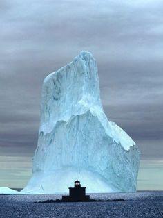 Iceberg, Witless Bay, Newfoundland, Canada