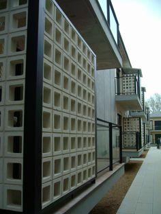 Emase Arquitectura Madrid, Garage Doors, Outdoor Decor, Home Decor, Hotels, Architects, Decoration Home, Room Decor, Home Interior Design