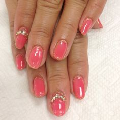 Outline nail designs with gems!