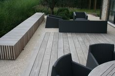 Wooden seating box in a reduced setting Outdoor Seating, Outdoor Spaces, Outdoor Living, Outdoor Decor, Dutch Gardens, Back Gardens, Landscape Architecture, Landscape Design, Rectangular Pool