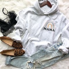 Retro Rainbow Mama Sweatshirt – The Container Clothing Co Cute Casual Outfits, Mom Outfits, Fall Outfits, School Outfits, Girly Outfits, Stylish Outfits, Teen Fashion, Fashion Outfits, Style Fashion
