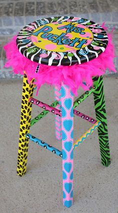 I don't have a stool but now I want one so I can do this to it!  Cute!