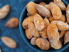 1 simpel opskrift på 3 forskellige slags snack mandler Tapas, Food, Meals