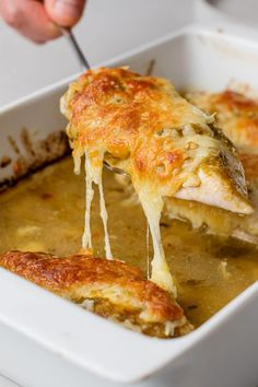 Chicken, cheese, and delicious flavors make this dish a must-try! Chicken Casserole, Casserole Dishes, Casserole Recipes, Slow Cooker Recipes, Cooking Recipes, Healthy Recipes, Skinny Recipes, Spicy Bite, Cheese Tasting