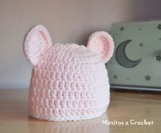 Gorrito orejitas rosa bebé lana acrílica 002