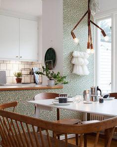 Tutustu tähän mahtavaan Airbnb-kohteeseen: Mysigt radhus i Bagarmossen strax söder om Sthlm - Rivitalot vuokrattavaksi in Tukholma: radhus bagarmossen