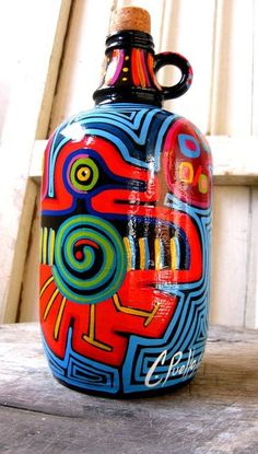 jarrones decorados para las salas pintados a mano Wine Bottle Art, Painted Wine Bottles, Painted Wine Glasses, Wine Bottle Crafts, Lilac Painting, Dot Painting, Recycled Bottles, Recycled Art, Trash Art