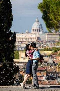 In love in Rome. Image by the www.andreamatone.com photography studio. #engagement in #Rome