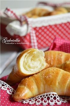 Gabriella kalandjai a konyhában :): Sörkifli Pretzel Bites, French Toast, Bread, Cheese, Baking, Breakfast, Desserts, Food, Diet