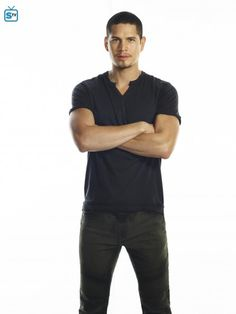 JD Pardo as (Raul Garcia) #TheMessengers
