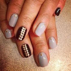 Gray & brown nails