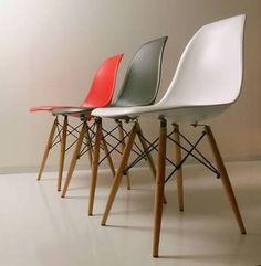 【F】椅子の造形。イームズチェア。チァールズ・イームズにより造られた椅子。家にあるがインテリアとしたは最高であると思う。