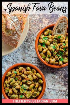 Looking for some easy vegan tapas ideas? Look no further, I've got you covered with this fresh or frozen fava bean recipe. Young fava beans (or baby broad beans, make sure they are green, not brown) cooked up in white wine with onions and garlic, perfect for scooping up with some fresh crusty bread. Serve with other Spanish appetizers for the perfect healthy party platter or casual dinner party meal. They're even vegan! Make them today in just under half an hour. Spicy Vegetarian Recipes, Vegetarian Appetizers, Tapas Ideas, Spanish Appetizers, Vegan Coleslaw, Eating Vegetables, Dinner Party Recipes, Fava Beans, Casual Dinner