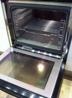 Slut med knofedt og ovnrens: Elisabeth har fundet genial og nem måde at gøre ovnen ren - PAS PÅ