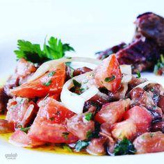 Nossa sugestão para o cardápio de hoje: Salada de feijão manteiga com tomate cebola salsinha pimenta e azeite. Uma ótima opção para acompanhar a carne! Receita: http://ift.tt/1Y0DDch by gulablog http://ift.tt/1Ua0kFq