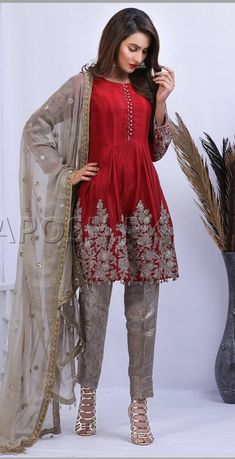 New Dress Indian Style Spring 2016 37 Ideas Pakistani Party Wear, Pakistani Dresses Casual, Pakistani Dress Design, Pakistani Dresses Shalwar Kameez, Red Fashion, Indian Fashion, Fashion Dresses, Dress Indian Style, Indian Outfits