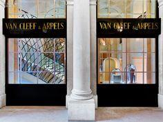 Place Vendome Inspires the Grandeur of Van Cleef & Arpels's Newest Paris Boutique. #interiordesign #design #interiordesignmagazine #projects #retail