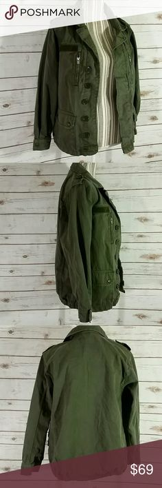 """Top Shop Army Green Military Jacket Sz US 4 Lightly worn, excellent condition. Armpit to armpit 18"""". Length 24.5"""" Topshop Jackets & Coats"""
