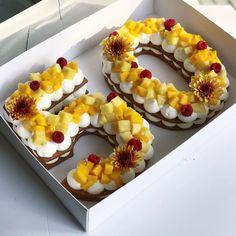 שבוע טוב ומתוק #gargeran #vanilla #biscuit #chefstalk #pineapple #mango #birthdaycake