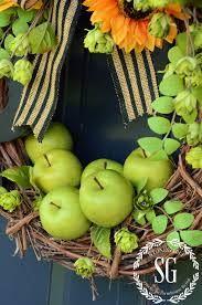 Výsledok vyhľadávania obrázkov pre dopyt how to make nice wreaths