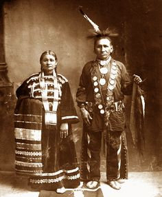 Creek Native Americans Women | This Native American couple are members of the Gravatt (Grah-vaht ...
