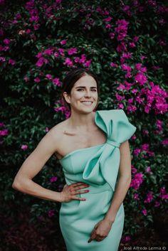 El look perfecto para las invitadas One Shoulder, Shoulder Dress, Elie Saab, Gowns, Gown Dress, Anonymous, Dresses, Style, Fashion