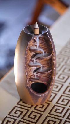 Pottery Designs Diy Videos Shoe Tieing Handicraft Cool Gadgets Wood Art Diy Art Home Deco Yoga Decor Yoga Decor, Diy Home Crafts, Diy Arts And Crafts, Bar Deco, Diy Artwork, Incense Cones, Cool Inventions, Handicraft, Cool Things To Buy