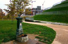 """Milano, fontanella """"Drago verde"""" nel Parco Alfa Romeo Portello - Ottobre 2013"""