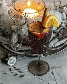 There is nothing else you need for a nice evening in winter than a candle, a drink and a Julien de Bourg mechanical watch Fruity Red Wine, Winter Drinks, Thirsty Thursday, Mulled Wine, Mechanical Watch, Cinnamon Sticks, Brown Sugar, Winter Wonderland, Gin