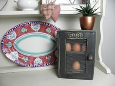 Wooden Egg Holder / Box For 12 Eggs Painted in Graphite (Black) Chalk Paint with Rustic Wire Door Graphite Chalk Paint, Black Chalk Paint, Painted Jewelry Boxes, Painted Boxes, Egg Storage, Egg Holder, Rustic Industrial, Home Decor Items, Shabby Chic