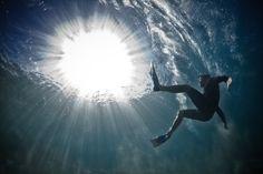 underwater-project- fotógrafo registra surfitas que caem da prancha