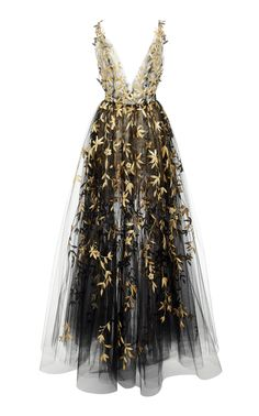 Floral Embroidered Tulle Layered Gown by Oscar de la Renta Grad Dresses, Ball Dresses, Ball Gowns, Elegant Dresses, Pretty Dresses, Formal Dresses, Outfits Tipps, Looks Chic, Mode Vintage