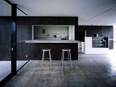 I think most of us have seen a project or two from Japan based Suppose Design. I really like the simplicity of their residential projects, maybe too minimal Modern Home Interior Design, Modern Kitchen Design, Kitchen Designs, Interior Ideas, Suppose Design Office, Black Kitchens, Modern Kitchens, Interior Architecture, Minimalism