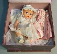 "Darling Vogue ""GINNETTE"" Baby Doll with Extras!"