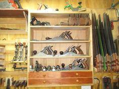 Handplane and chisel till/cabinet