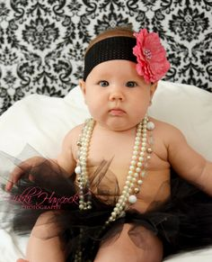 6 month photo shoot idea, baby girl pictures, six months old. Matches baby girls room!