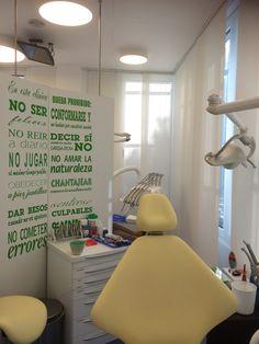 Decoraci n cl nica dental on pinterest dental for Decoracion clinicas dentales
