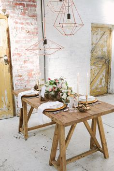 Industrial Winter Wedding Ideas via Magnolia Rouge Industrial Wedding Decor, Home On The Range, Decoration Table, Wedding Decoration, Wedding Table Settings, Rustic Chic, Dining Table, Interior Design, Furniture