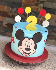 Bolo Da Minnie Mouse, Mickey Birthday Cakes, Festa Mickey Baby, Spiderman Birthday Cake, Mickey Mouse Birthday Cake, Fiesta Mickey Mouse, Minnie Mouse Birthday Invitations, Mickey Mouse Cupcakes, Mickey Party