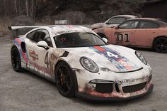 Amazing custom worn out Martini Livery design on the GT3 RS